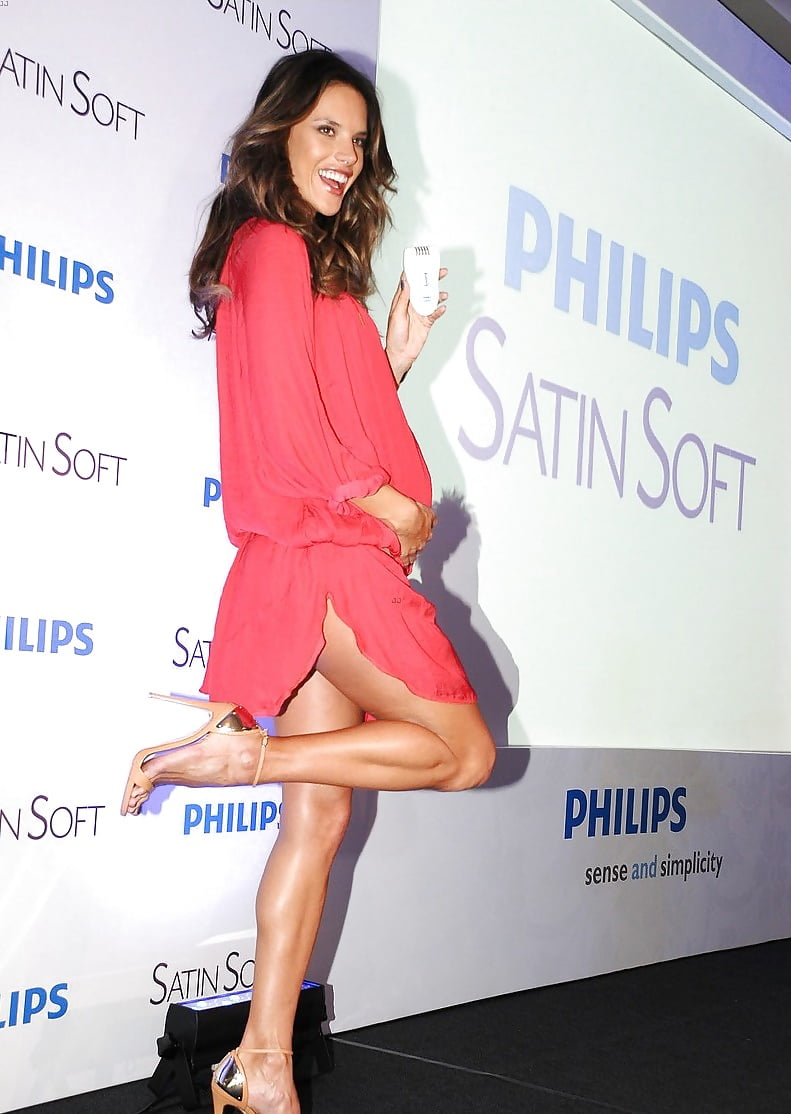 Alessandra Ambrosio - Brazilian Top Model with gorgeous feet