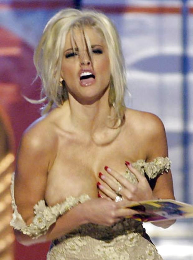 Anna Nicole Smith desnuda