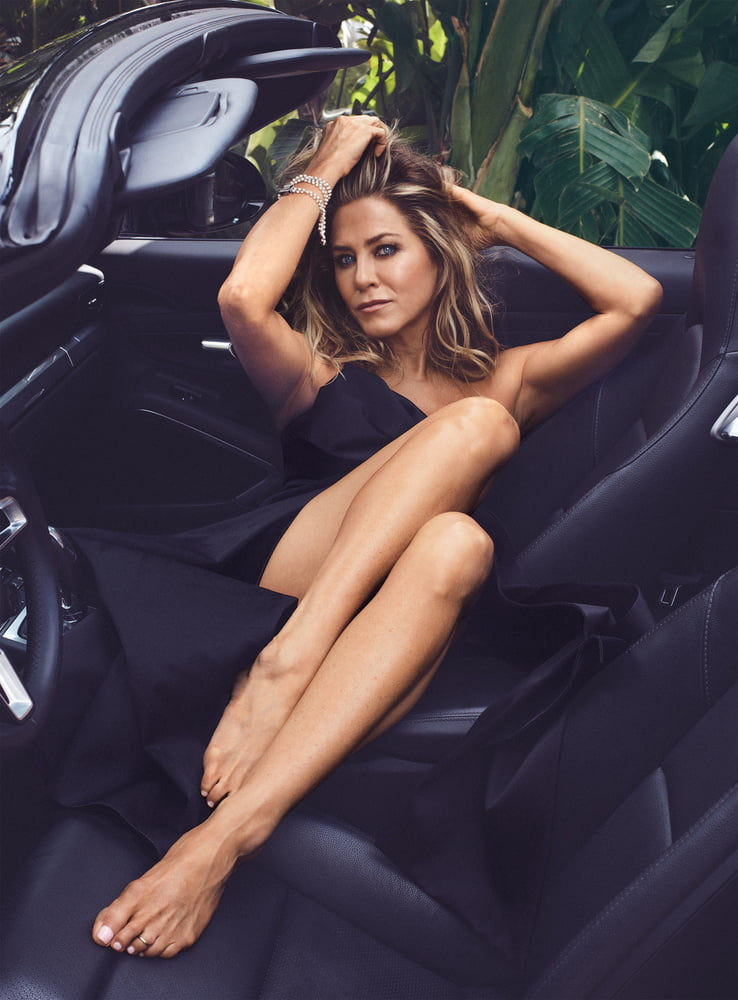 Celebrity Feet - Jennifer Aniston