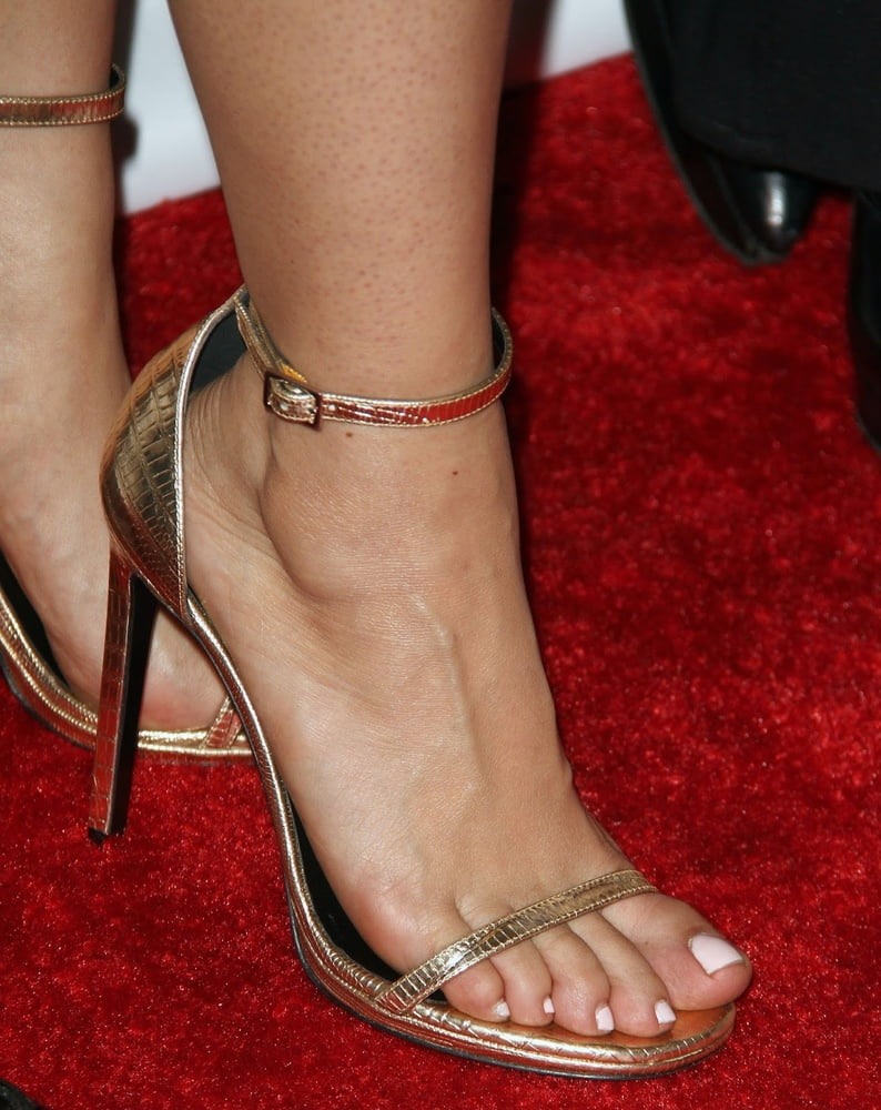 Celebrity Feet - Salma Hayek