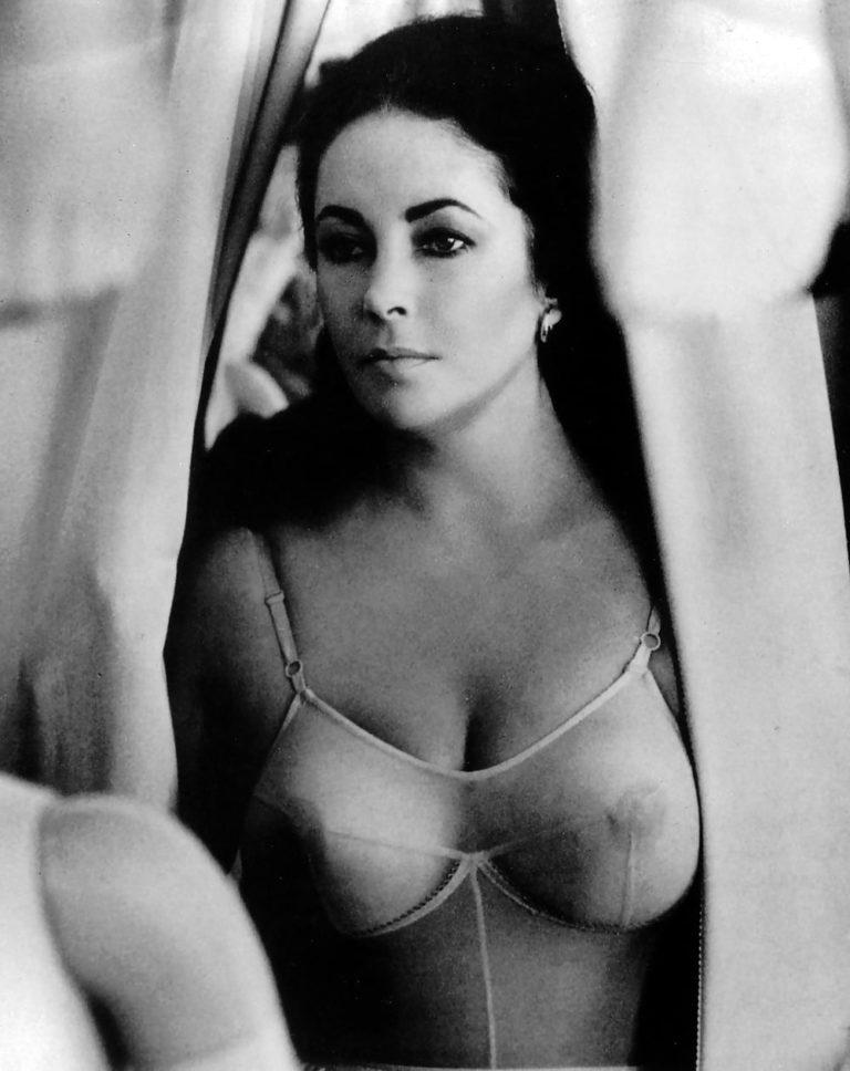 Elizabet Taylor Young Nude