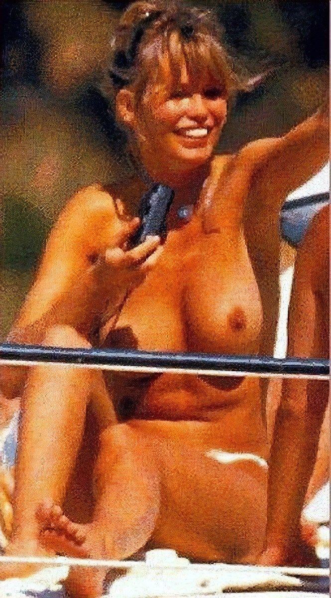 Roberts nackt Claudia  Claudia Cardinale